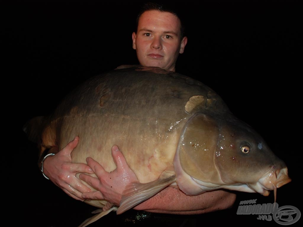 Jól látható a képen, hogy mekkora is ez a hal valójában