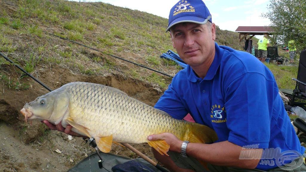 Józsi első nagyobb hala: 7.300 gramm!
