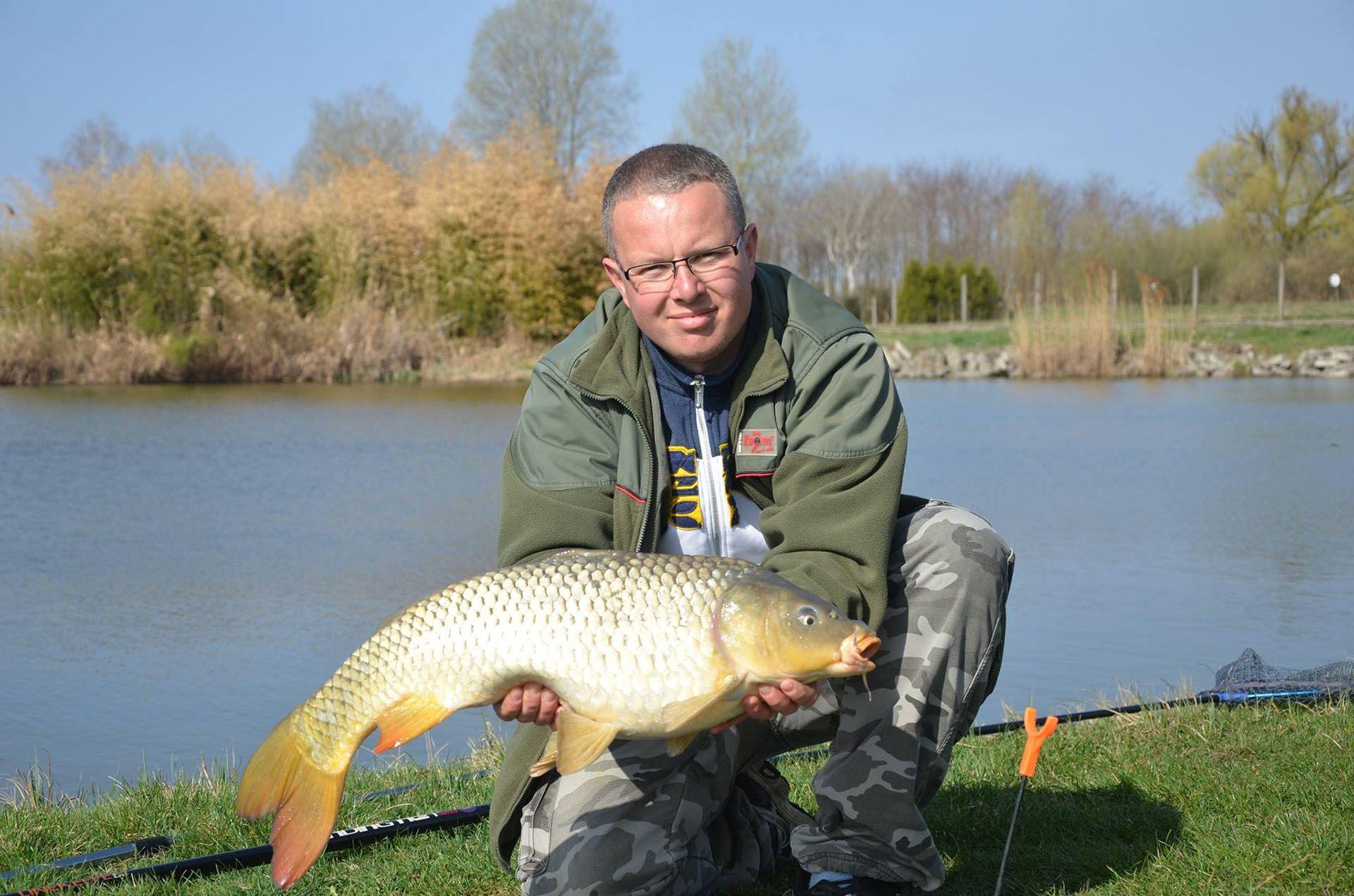Letenovics Gábor termetes halakkal sokkolta versenytársait és 50 kg feletti fogással nyerte az első fordulót