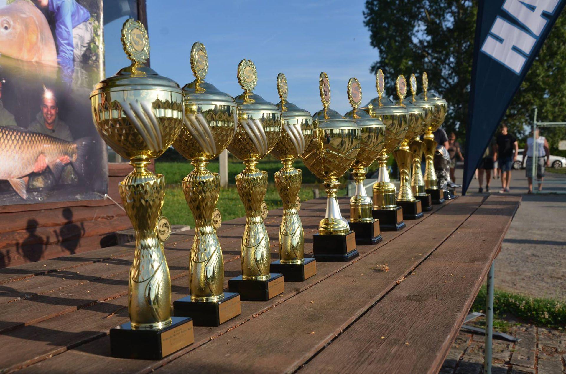 A második forduló díjai