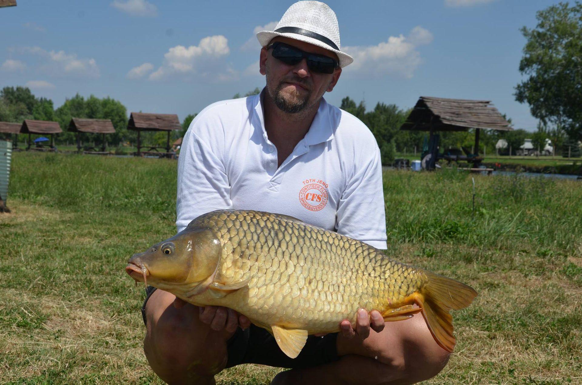 Tóth Jenő több mint 90 kiló halat terelt szákba a nyári forduló első napján!