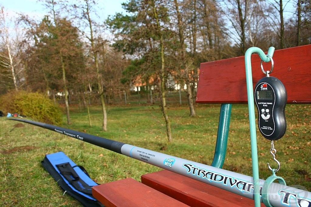 A tartóerőt mi is megmérhetjük otthon. A STR Tournament Carp botnál zöld (13) Preston csőgumival 3 tagban begumizva 3920 g
