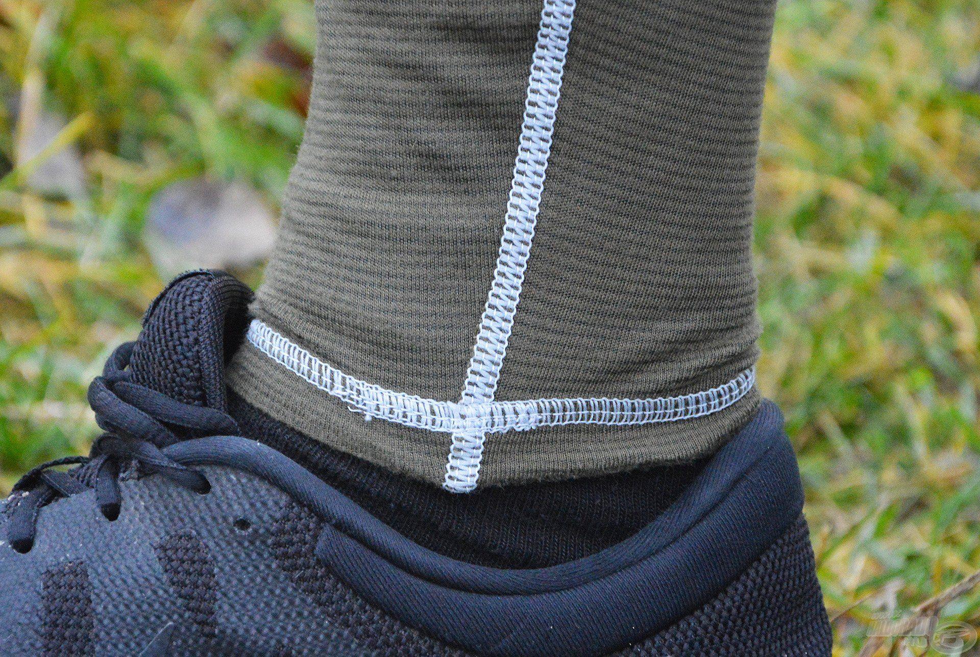 Az alsó hossza is tökéletes, pontosan addig ér, ameddig kell, illetve eléggé passzentos, így a hideg szellő sem tud befújni a bokánkhoz!