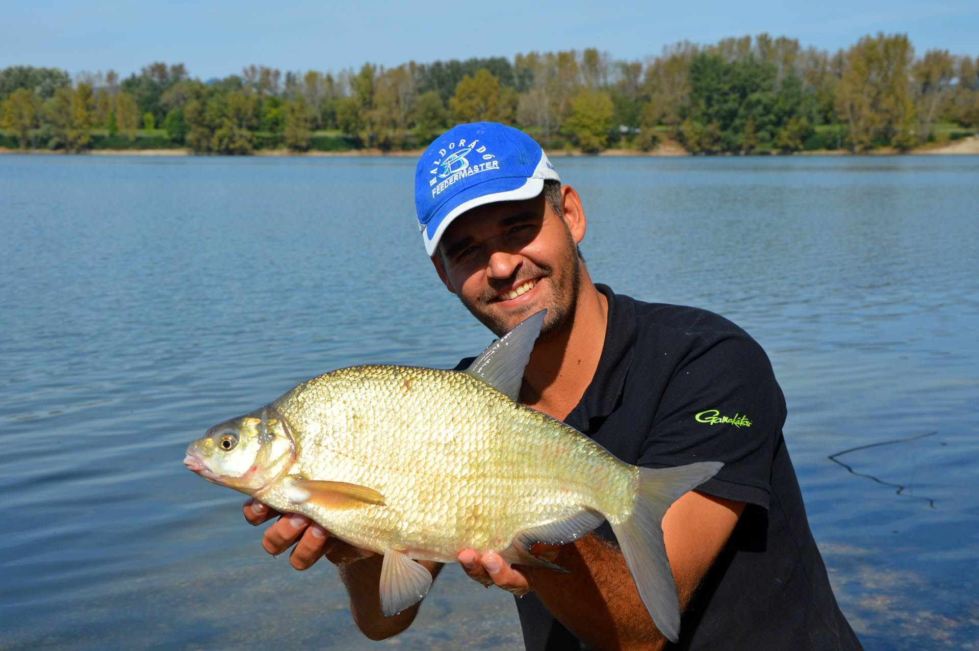 Ponty, amur, busa, nagy keszegek, ilyen halakat fognak a helyiek a módszerükkel
