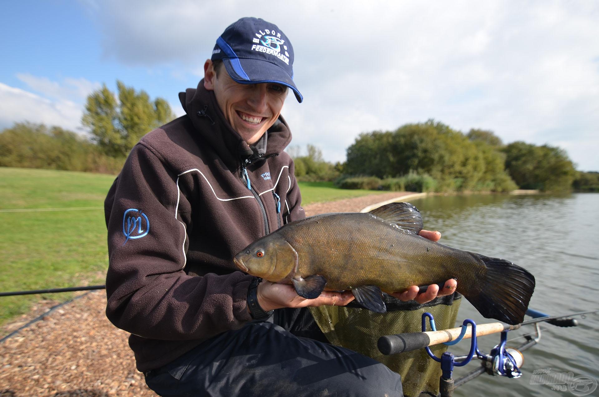 Az első hal egy szép compó volt Árpád horgán