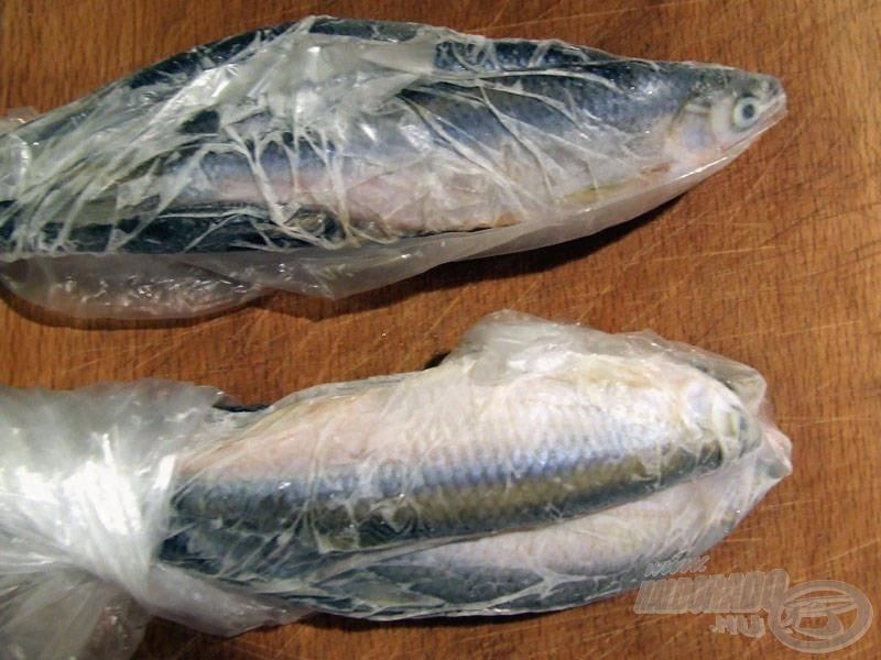 A fagyasztásra szánt küszöket célszerű átlag-horgászatonként felhasznált mennyiségben (pl. 10-12 db), adagonként bezacskózva a mélyhűtőbe tenni