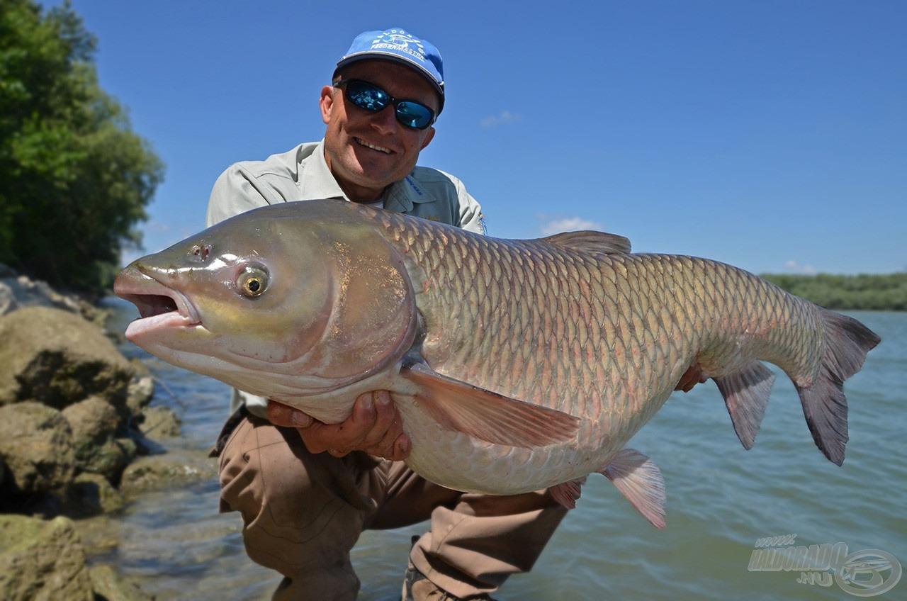Ezzel a bottal nincs megfoghatatlan méretű hal!