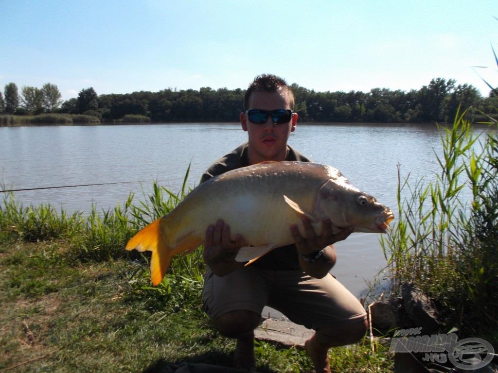7,22 kg-os tükrös, a nap harmadik nagytestű hala
