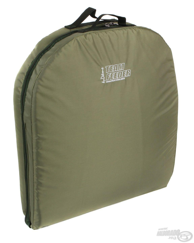 Az összecsukott matracot egy igényes hordtáskába helyezve lehet szállítani, így szállítási mérete mindössze 52 x 52 x 8 cm