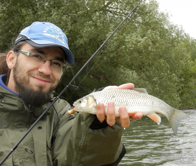 Zord, szeles időben fogott hal