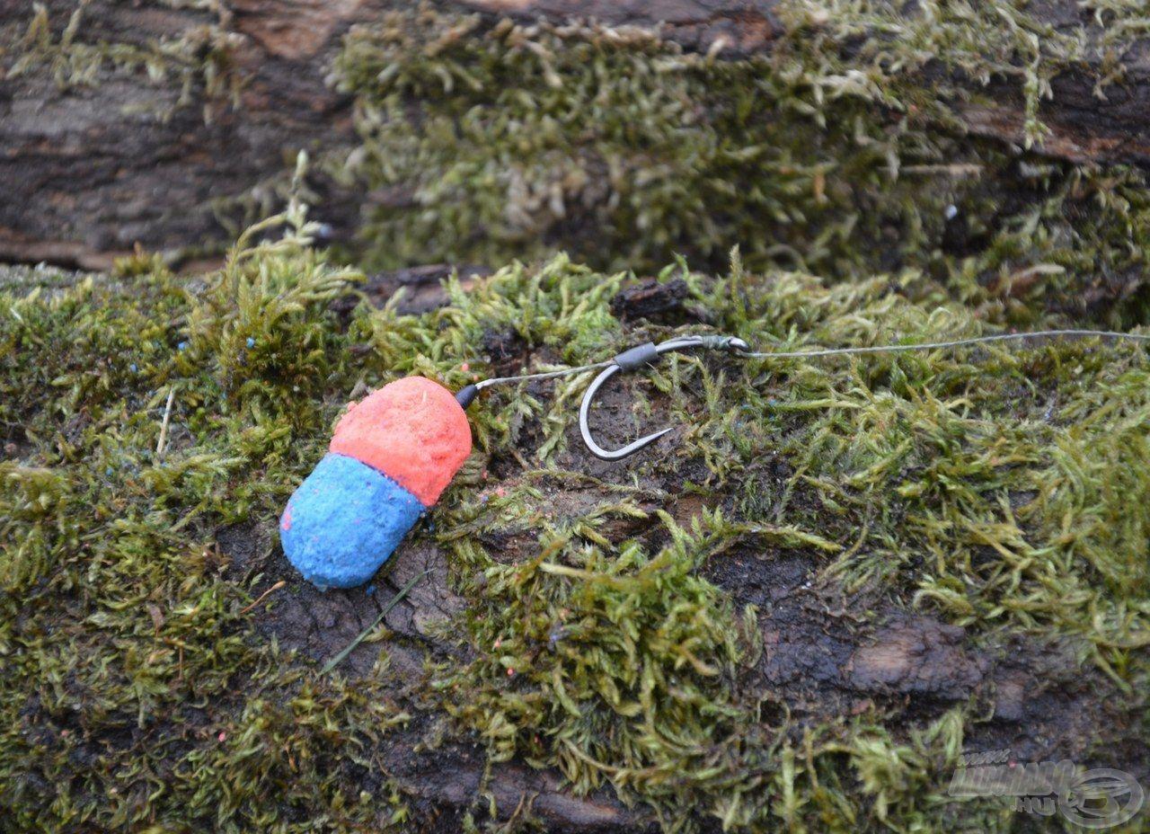 2. csalikombináció: 1 szem 16 mm-es Haldorádó Oldódó Fluo Lebegő Pellet - Kék Fúzió és 1 szem 16 mm-es Haldorádó Oldódó csalizó bojli - Fűszeres Vörös Máj összefaragva, hajszálelőkén felkínálva