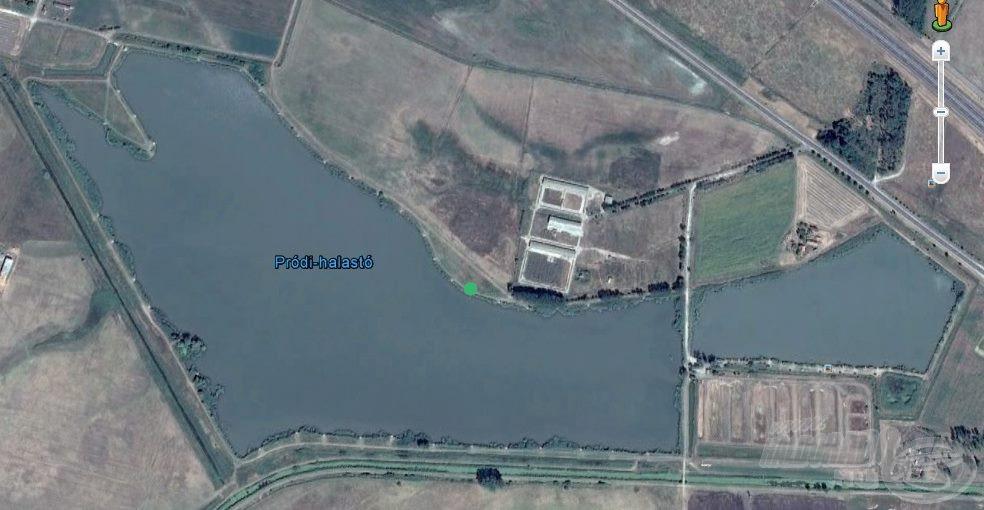 Horgászállásunk a tó északi partján helyezkedett el a ponttal megjelölt helyen