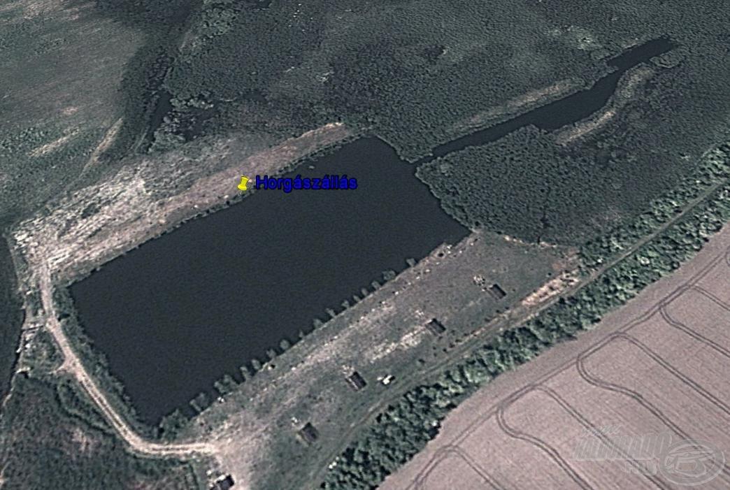 Horgászhelyem a tó túlsó oldali hosszanti partjára esett