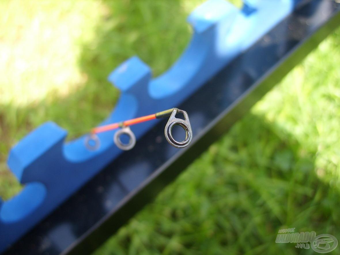 … és ez igaz a rezgőspiccek megnövelt méretű gyűrűire is, melyekkel nemcsak nagyobb és pontosabb dobások hajthatók végre, de a gyűrűk bedugulásától sem kell tartanunk