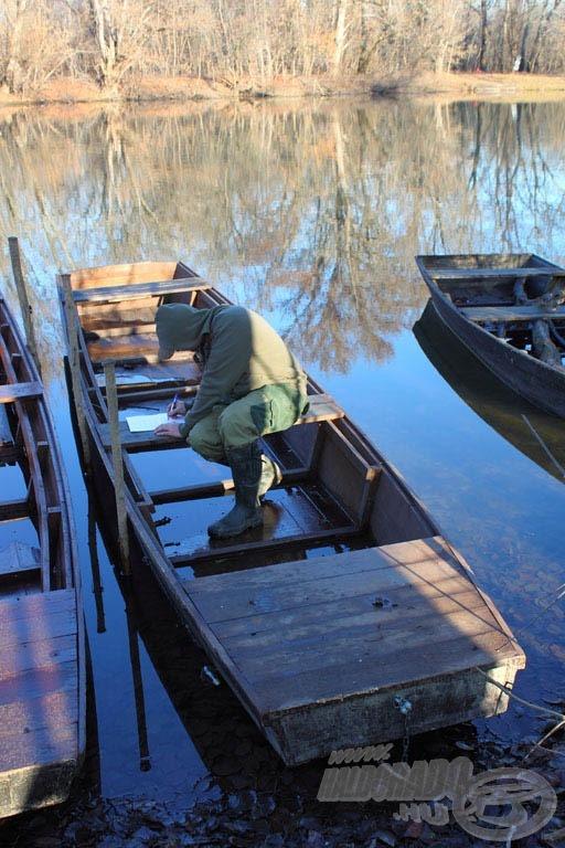 Alaposan lemértük a csónak minden méretét