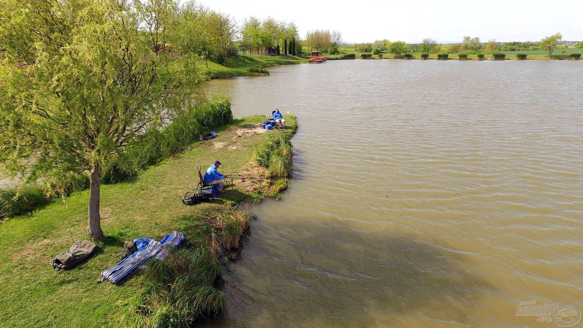 Ragyogó napsütéses idővel és folyamatosan erősödő széllel kezdődött a horgászat