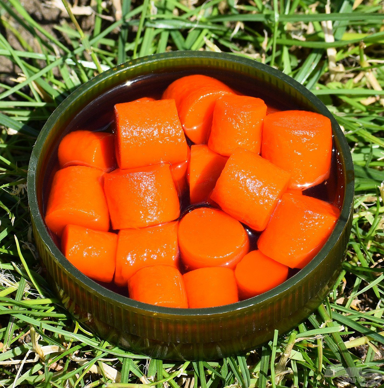 FermentX Natural Bait - Tejsavas FX 1 élénk narancssárga színnel és tejsavas, édes narancsos ízzel, illattal