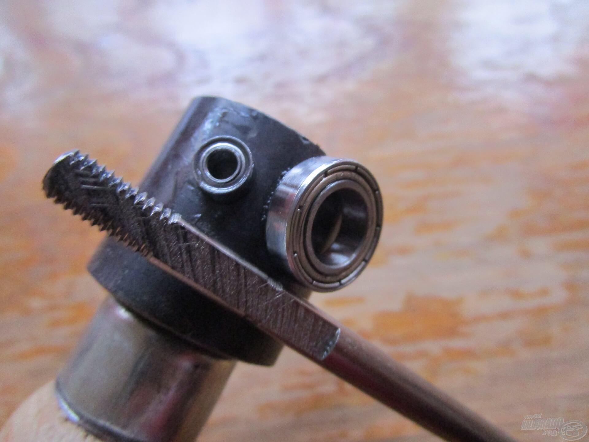 Természetesen kiváló minőségű elemekből épül fel a belső szerkezet. Még a legkisebb csapágyakat is fogja a mágnes!