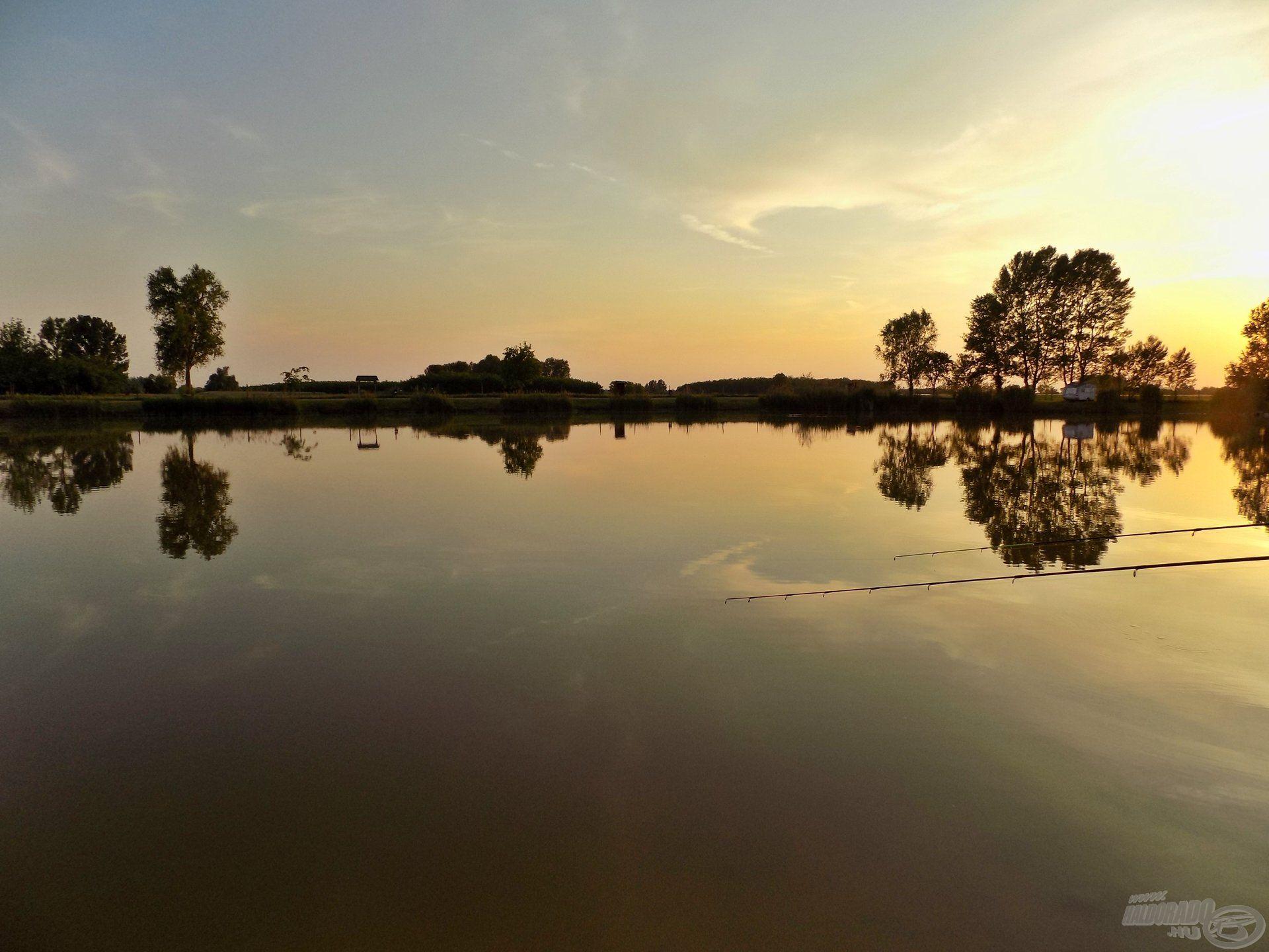 Lassan a látóhatár mögé bukik le a nap, egy új időszámítás veszi kezdetét ilyenkor a horgászatban. Különös, semmihez sem hasonlítható érzés éjszaka horgászni, egyszerűen nem lehet megunni!