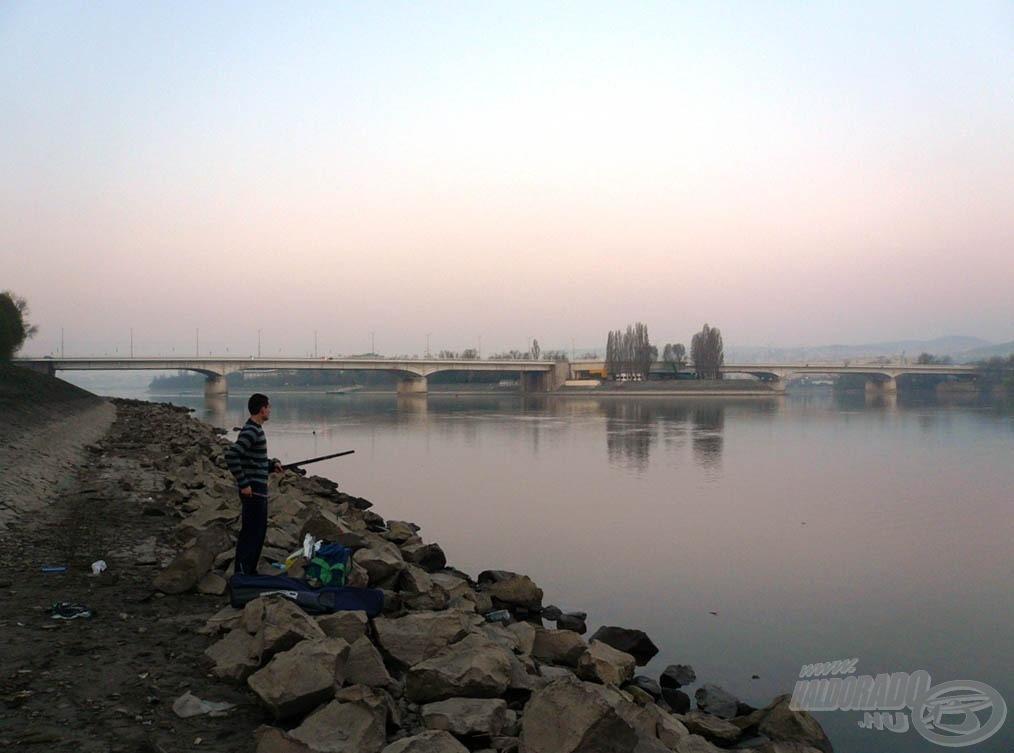 Balra tekintve az Árpád híd…