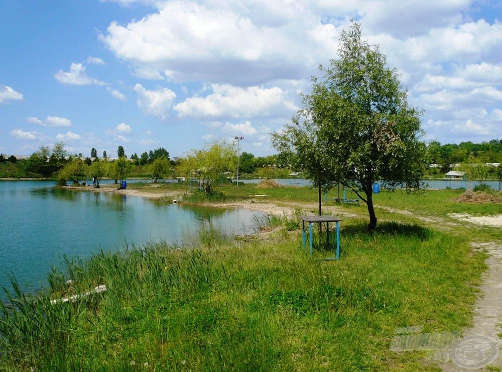 Közkedvelt hely a tó közepén található félsziget