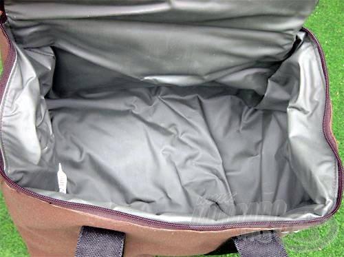 A táskák könnyedén tisztíthatóak