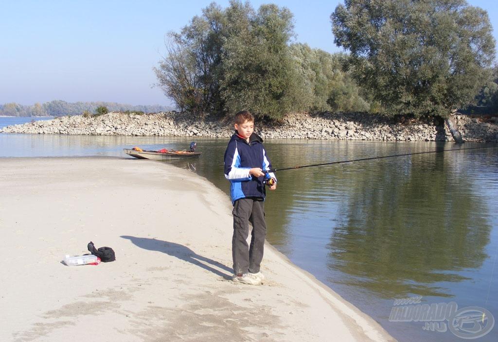 Az ifjú pergető horgász