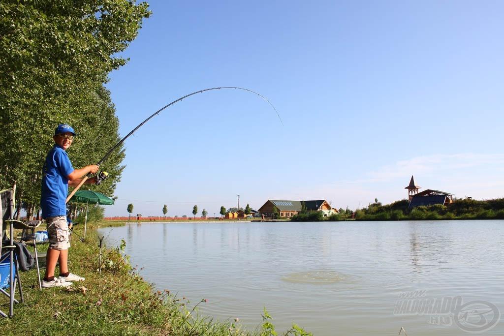 Horgon a nap első hala, ráadásul nem is kicsi!