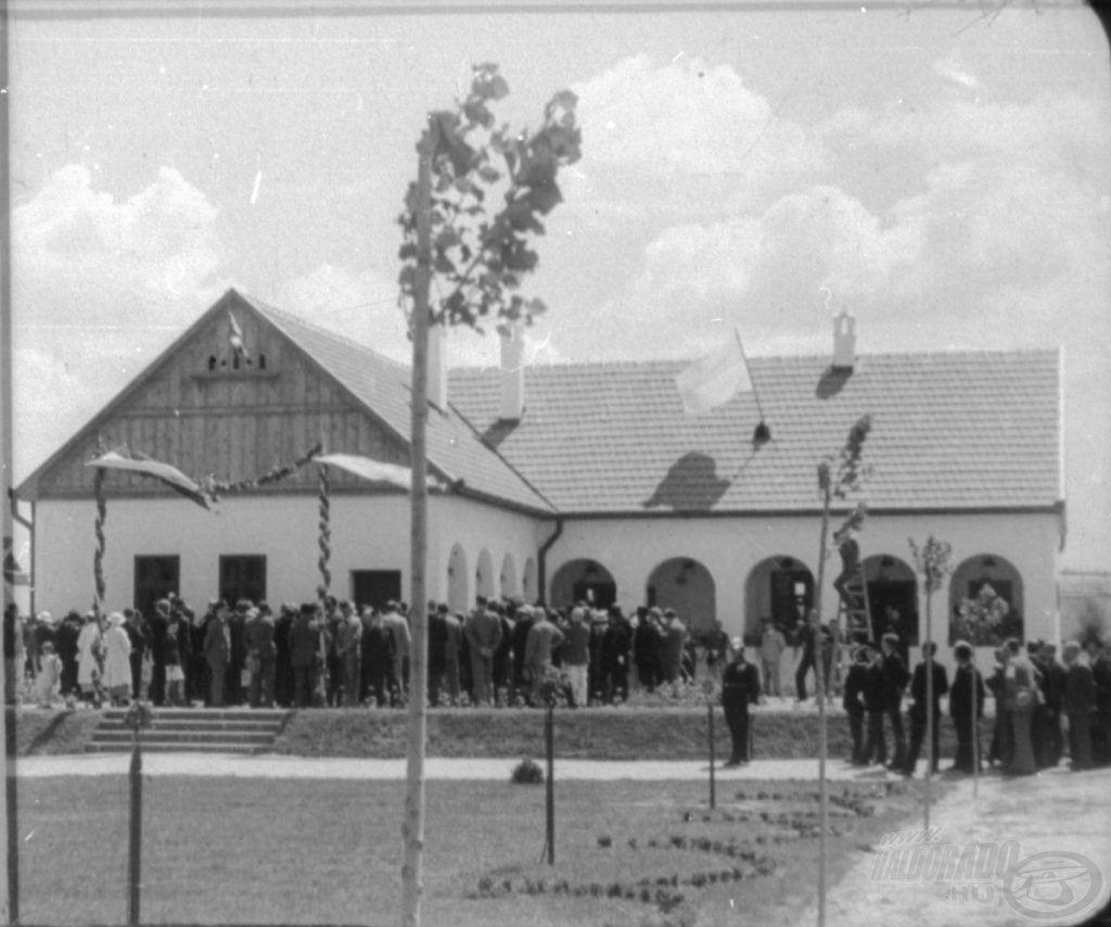 A Csipkeház avatása 1935-ben (Thorma János Múzeum CC BY-NC-ND)