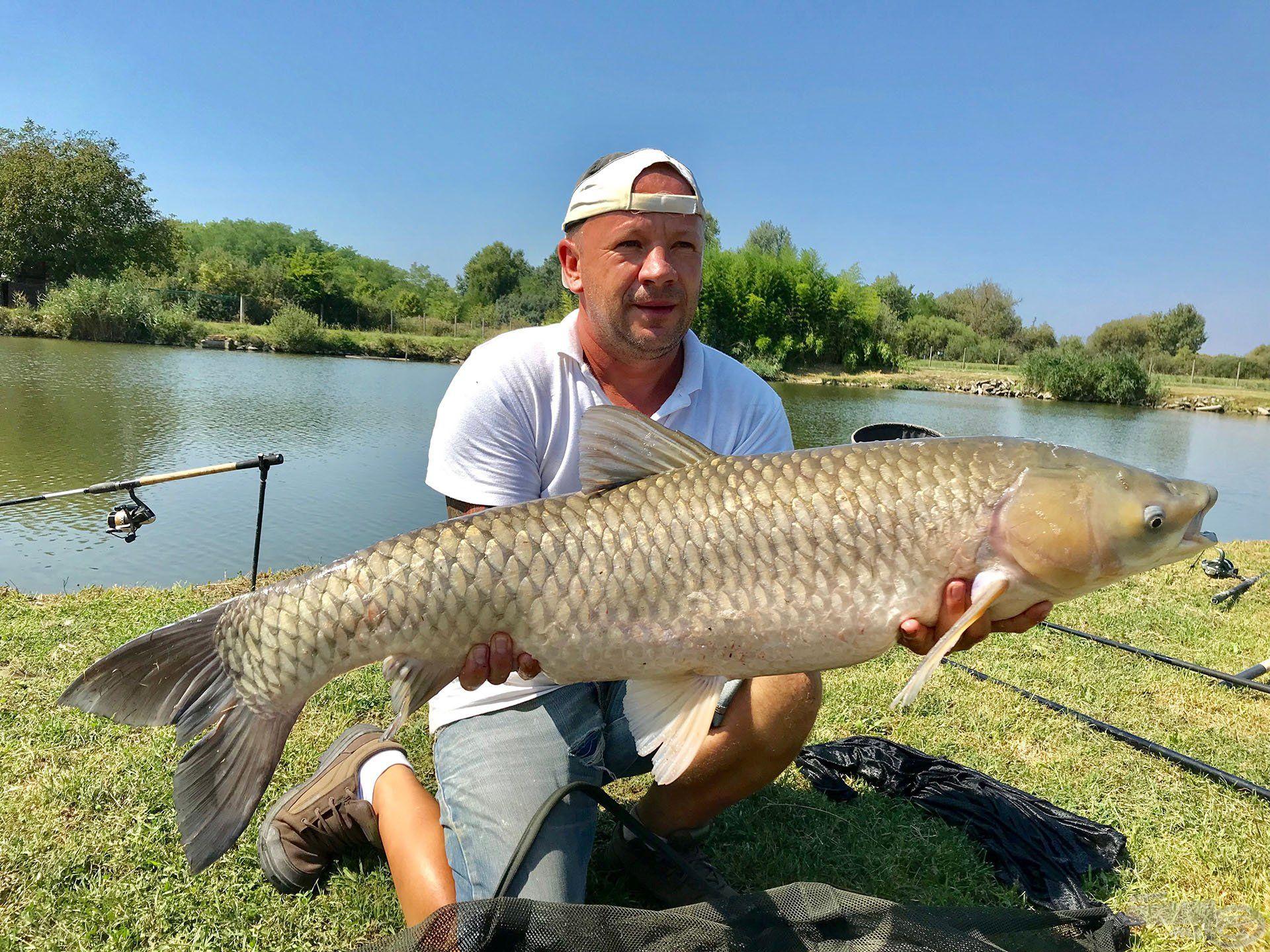 Ezen a napon Beke Tibor fogta a legnagyobbat, amelynek pontos súlya 12.900 g volt!