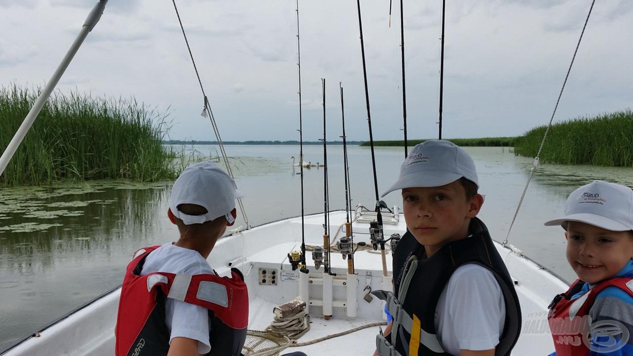 A csónakokkal sokféle horgászhelyre eljutunk