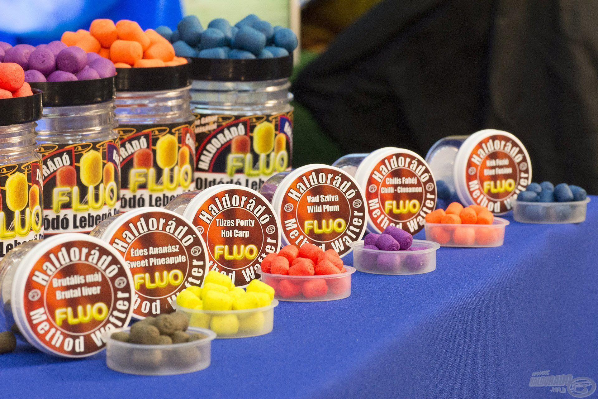 A Fluo Method Wafter termékcsalád az alapot adó Oldódó Fluo Lebegő Pelletekkel megegyezően 6 ízváltozatban kerül forgalomba