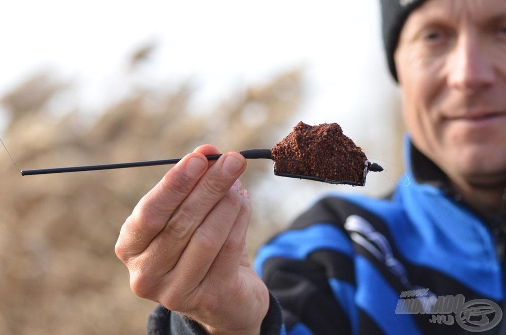 … míg a kereső horgászat során Method Flat Feeder kosarat használtam, amelynek belsejében rejtőzött a csali