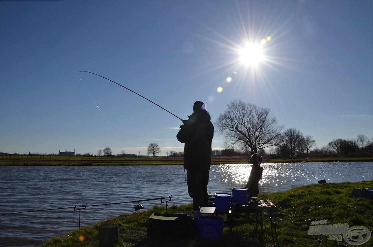 Szikrázó napsütés és viharos szél jellemezte a horgászatot