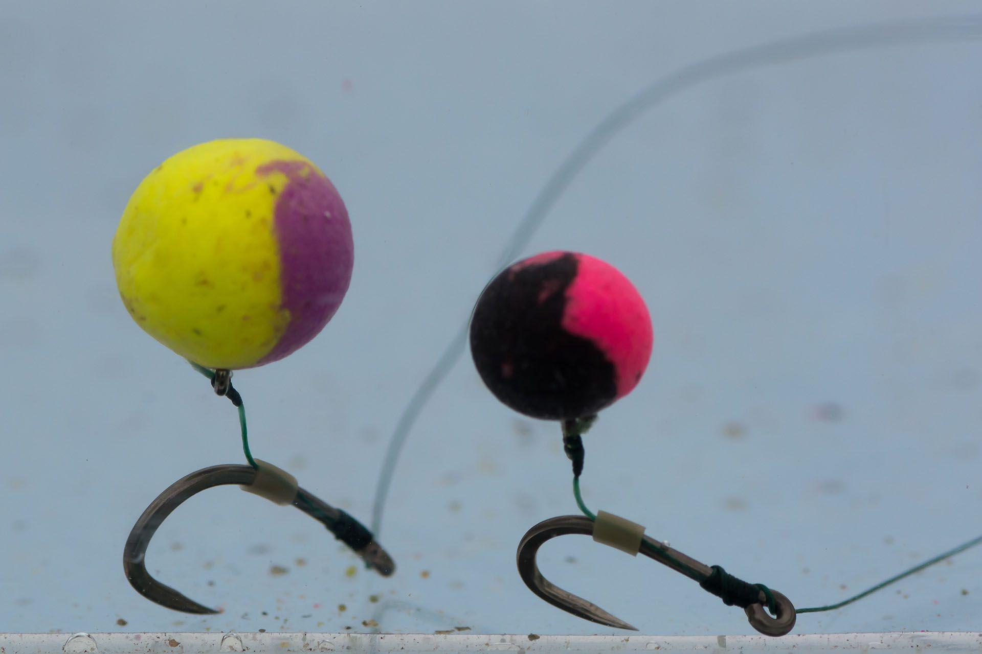 Így a legfogósabbak a Method csalik. A sárga + lila színű golyócska ananász és banán, a fekete + rózsaszín tintahal és polip ízesítésű