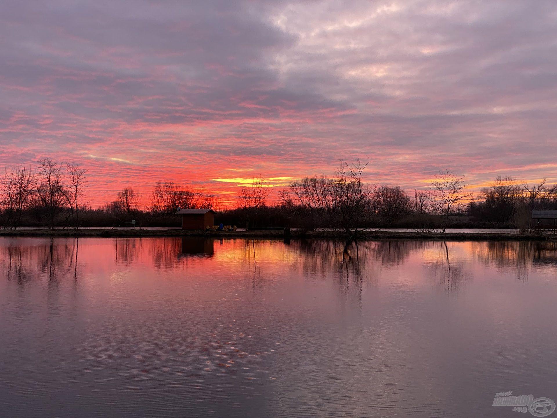 Ezzel a csodálatos naplementével búcsúzott tőlem a tórendszer