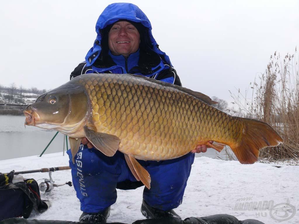 Ez a gyönyörű tőponty a hideg víz ellenére is kemény ellenfélnek bizonyult, súlya 11,59 kg volt