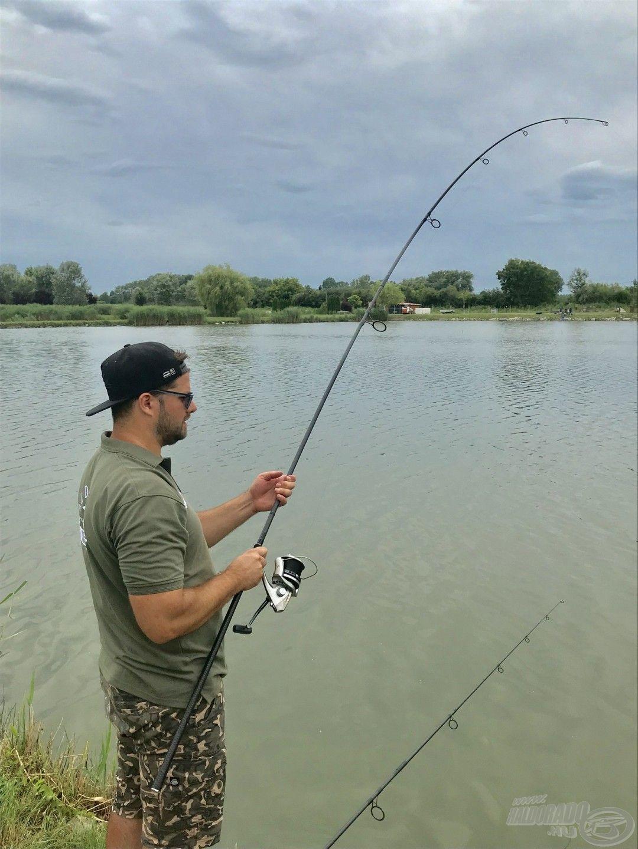 Erdélyi Tamás barátom is meglátogatott minket, ennek örömére fogattunk vele pár szép halat