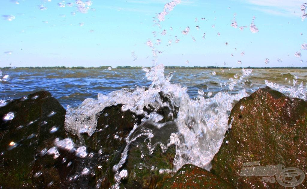 Gyakori a hullámverés a tározón…