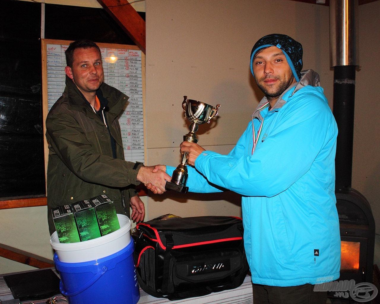 A távdobás bajnoka címet Cristian Mihalcea (Ro) szerezte meg a II. Nevis Bojlis Távdobó Versenyen Harsányban 173,875 méteres átlaggal