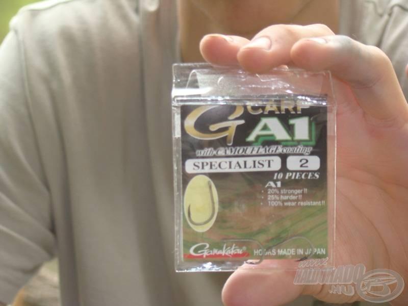 A következő és legfontosabb alkotóelem a horog. A Gamakatsu G-carp A1 Specialist szinterezett horgát használom 2-es méretben. Nekem eddig ez a horog teljesített legjobban