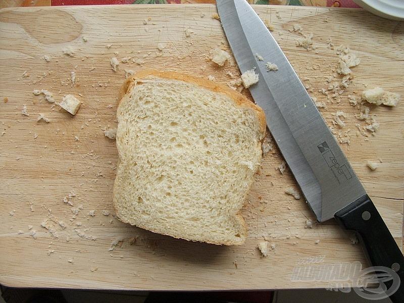 A kenyérszeleteket egy éles késsel…