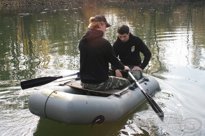 Használható állapotban a csónak is!
