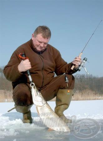 A Berkley mérő és halkiemelő jól működik a léki horgászatok során is