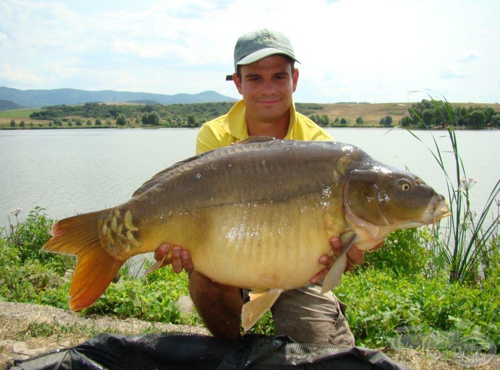 A bajnok és a verseny legnagyobb hala