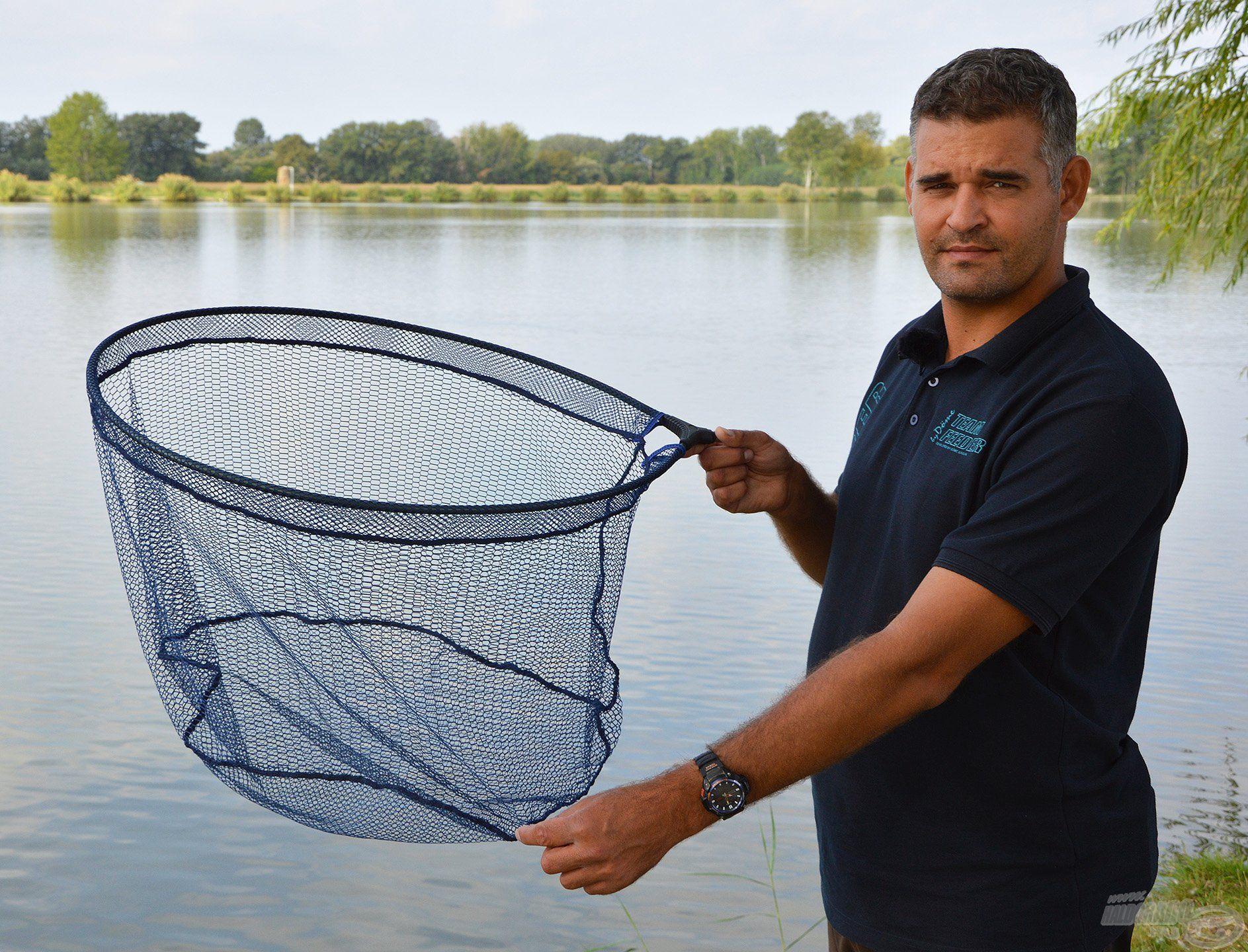 A By Döme Carp-5 típusú merítő fej alkalmas a 10+-os halak biztonságos merítéséhez is