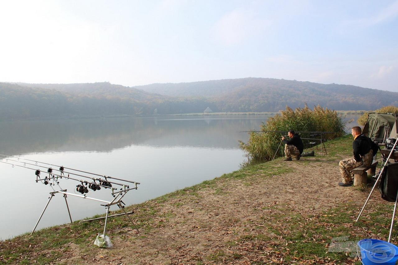 … hogy a Harsányi-tó festői környezetben elterülő horgászparadicsom