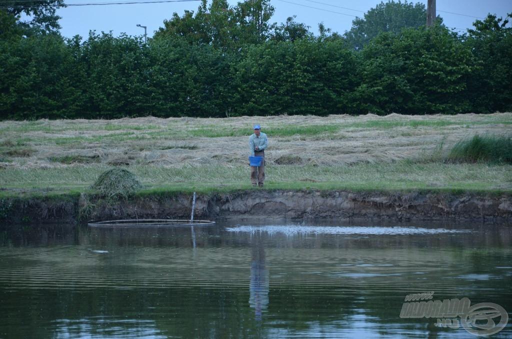Az éjszakai horgászat megkezdése előtt ismét beetettem