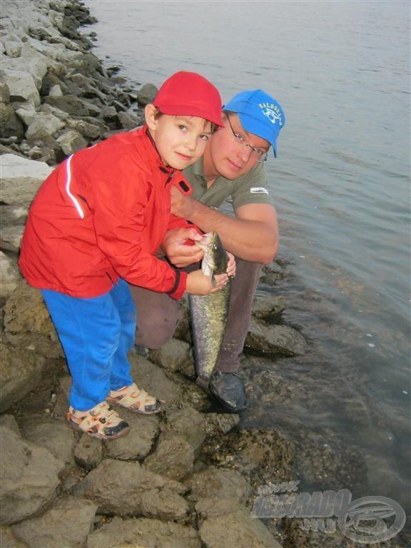 Azt akartam, hogy ezt a halat is a fiam engedje vissza