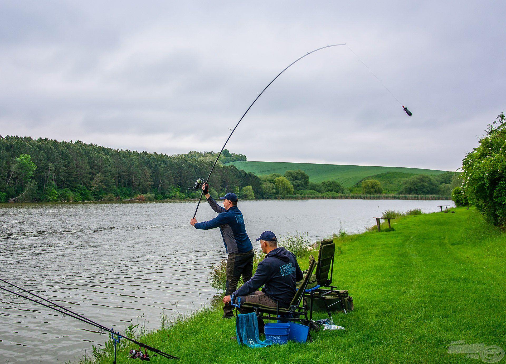 Alapozó etetéssel indítottuk a horgászatot, ez Gyermelyen kifejezetten ajánlott!